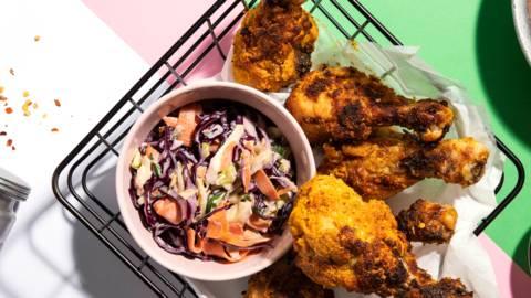 Kanakori, bataattiranskalaiset ja värikäs coleslaw