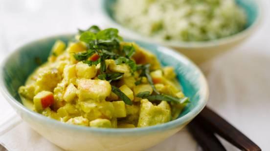 Hedelmäinen broileri-currykastike ja riisiä