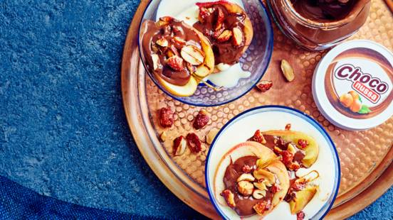 Pähkinäiset uuniomenat mikrossa