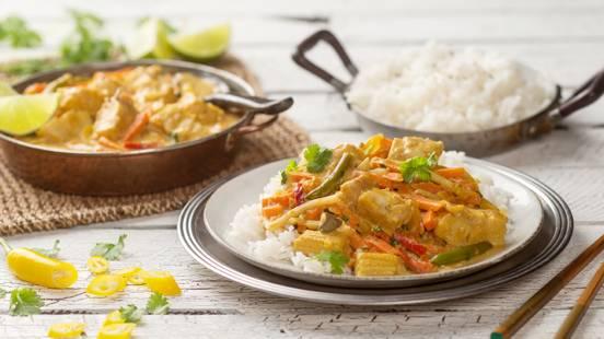 Nopea ja helppo thaimaalainen kala-kasviscurry