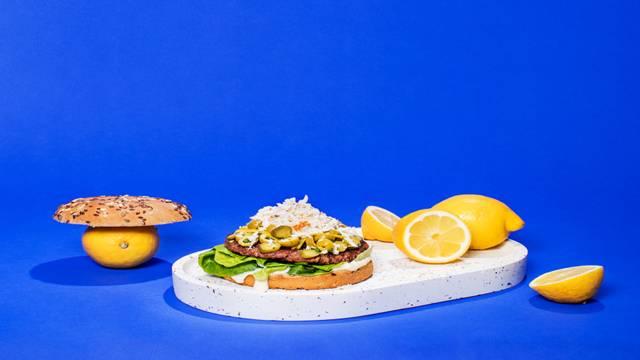 Next Level & Halloumi burger