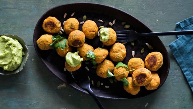 Helpot kasvispyörykät: bataatti-tofupyörykät