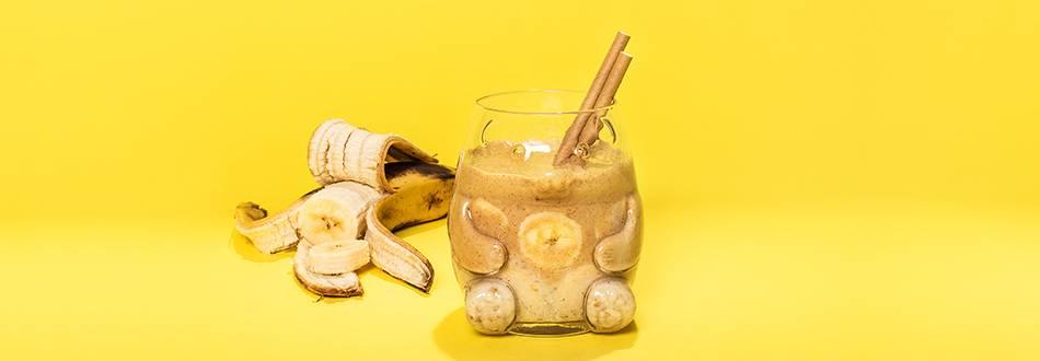 Raakapuuro-maapähkinävoismoothie