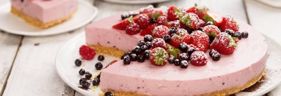 Hyydytetty jogurtti-marjakakku