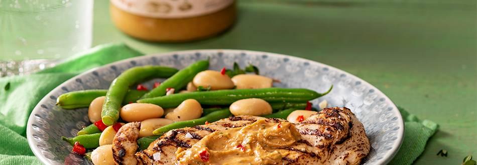 Maapähkinävoibroilerit ja papusalaatti